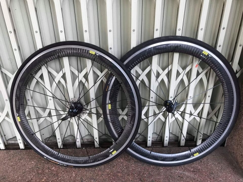 Wheelset cacbon MAVIC cosmis . Like new