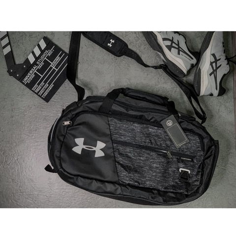 Under Armour Undeniable Duffel 4.0 Small Duffle Bag Black/D.Grey