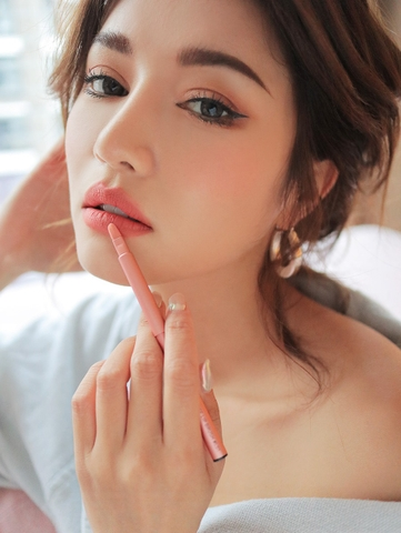 3CE LIP BRUSH #L01