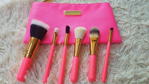 Bộ 6 Cọ BH Cosmetics Neon Pink Brush Set With Cosmetic Bag