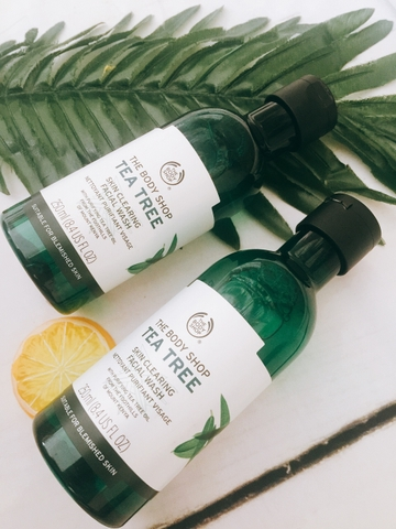 Gel Rửa Mặt The Body Shop Tea Tree Skin Clearing Facial Wash