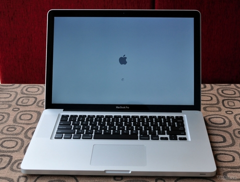 MacBook Pro mc721 Early 2011 Core i7 (I7-2635QM) 2.0 GHz / Ram 8GB / HDD 500GB máy cũ 98%