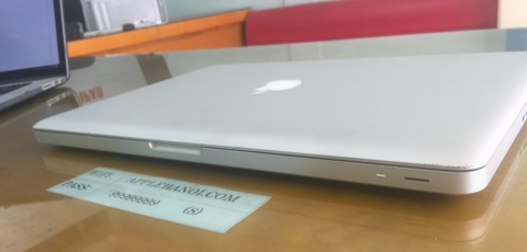 Macbook Pro Late 15 inch -2011- MD322 core i7 ram 4gb 500 98%