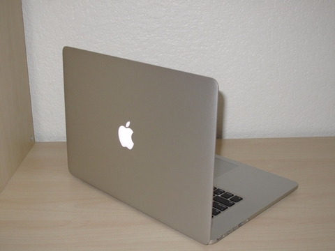 MacBook Pro MGXA2 15inch RETINA Mid 2014 (IG) Core i7-4770HQ 2.2 GHz / SSD 256GB / Ram 16GB 99%
