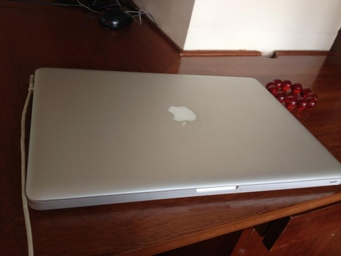 MacBook Pro MC118 / 2009  / 15.4