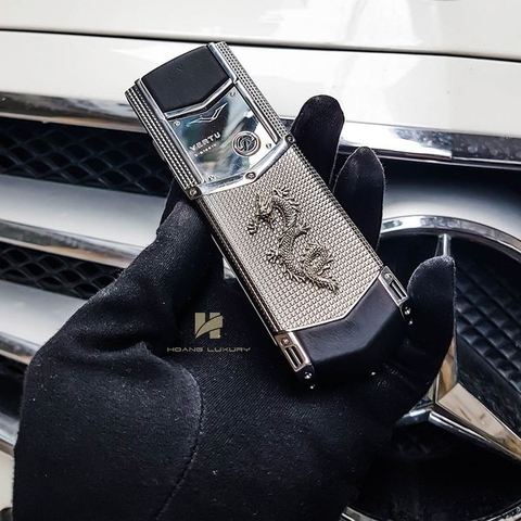 Vertu Signature S Design Clous de Paris Dragon