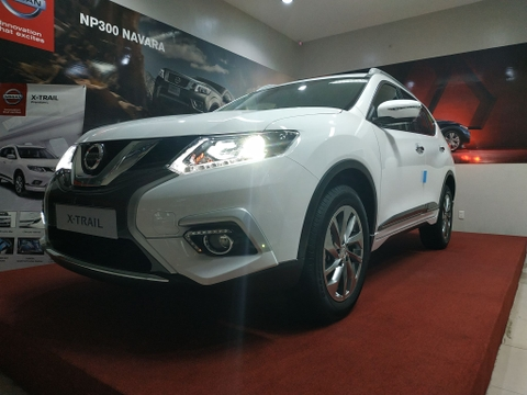 NISSAN X-TRAIL 2.5L HIGH XTRONIC CVT 2 CẦU
