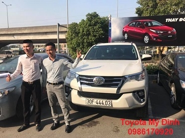 BÀN GIAO XE TOYOTA FORTUNER 2.4 AT 2X4