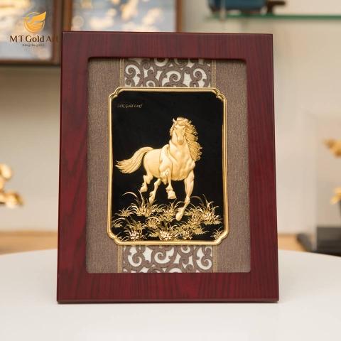 tranh ngựa dát vàng - quà tặng sếp