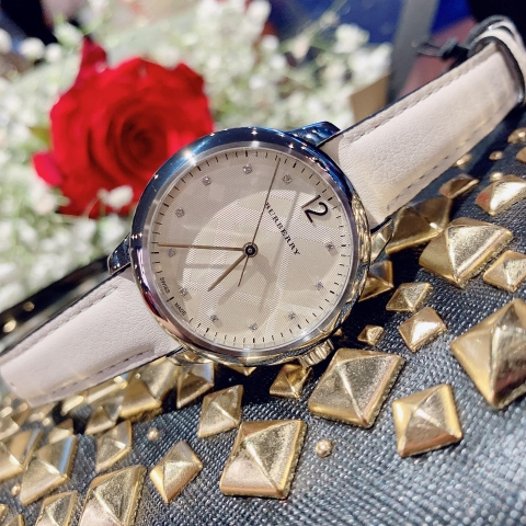 BURBERRY BU10105 THE CLASSIC ROUND DIAMOND INDEXES 32MM