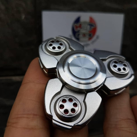 Spaceship Spinner CKF