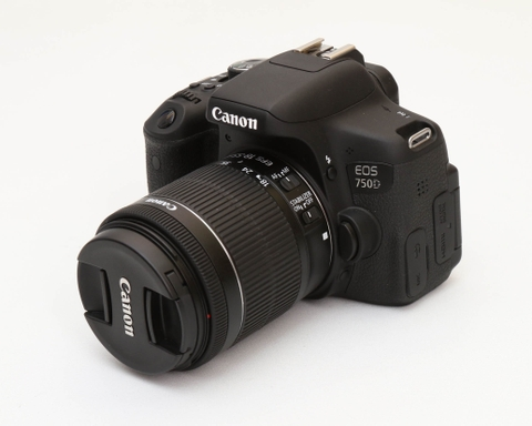 Canon EOS 750D + Lens 18-55 IS STM