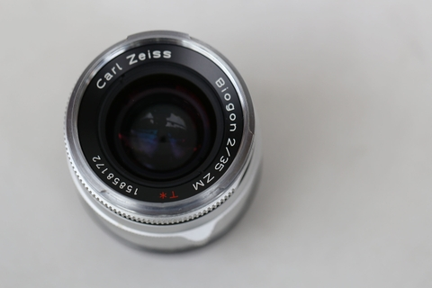 Carl Zeiss Biogon T* 35mm f/2 ZM