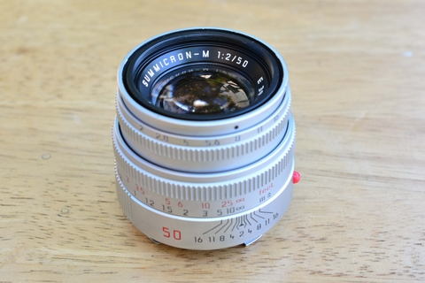 Leica 50mm f2 Summicron-M V5 Chrome