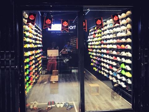 Giày đá bóng sân cỏ nhân tạo nike giá rẻ, chất lượng chỉ có tại Beck Short