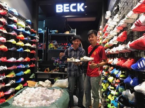 Beck Short - cửa hàng mua giầy đá bóng sân cỏ nhân tạo hà nội uy tín
