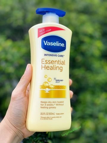 Lotion dưỡng thể Vaseline Intensive Care Essential Healing (600ml) - MADE IN USA.