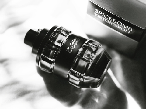 Viktor & Rolf Spicebomb EDT Pour Homme 90ml - MADE IN FRANCE.