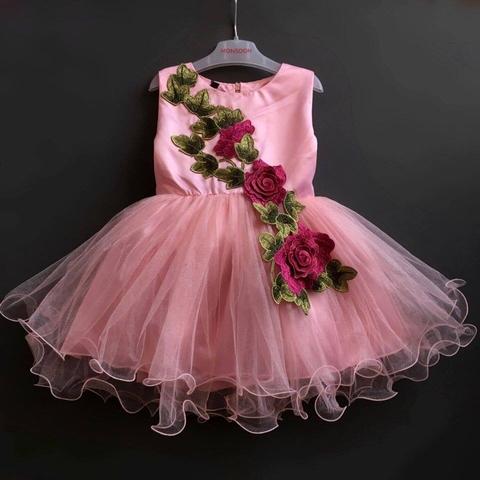 Rồi váy mặc đi múa nữa, quá yêu luôn nhé.
