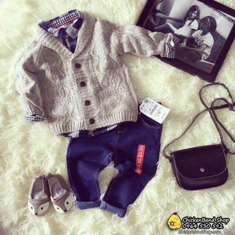 Phong cách riêng biệt khi kết hợp áo len với quần jean, áo sơ mi và giày slip on