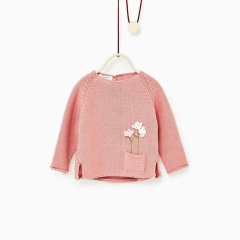 Áo len màu hồng cam kiểu dáng độc đáo