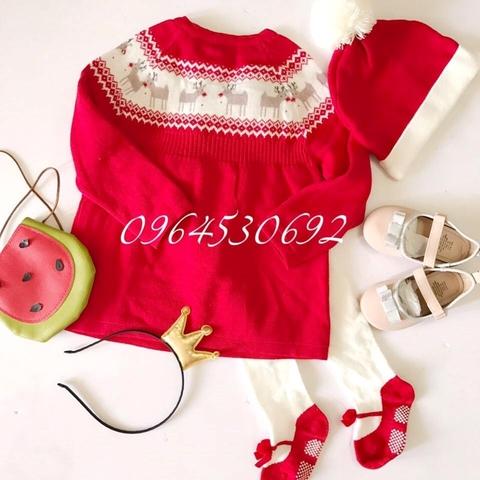 Váy len kèm với mũ len màu đỏ tươi sáng