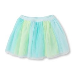 Chân váy có thêm màu xanh khác biệt