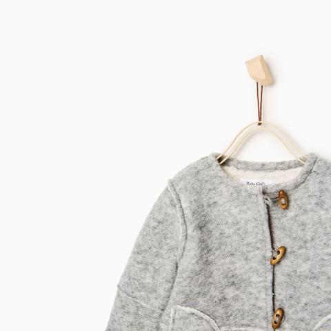 Áo khoác cókhuy sừng cực vintage