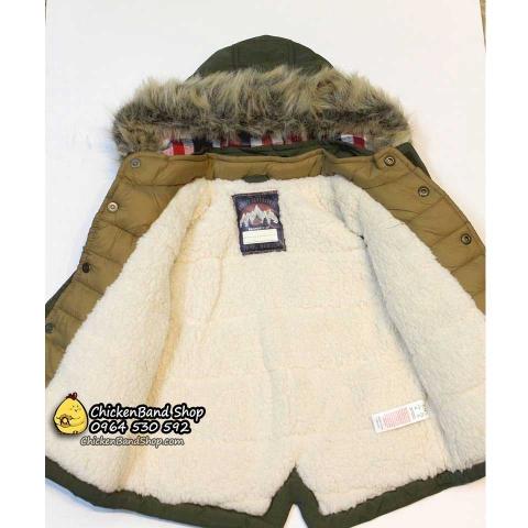 Bên trong áo khoáclót lông cừu mềm mại,ấm áp