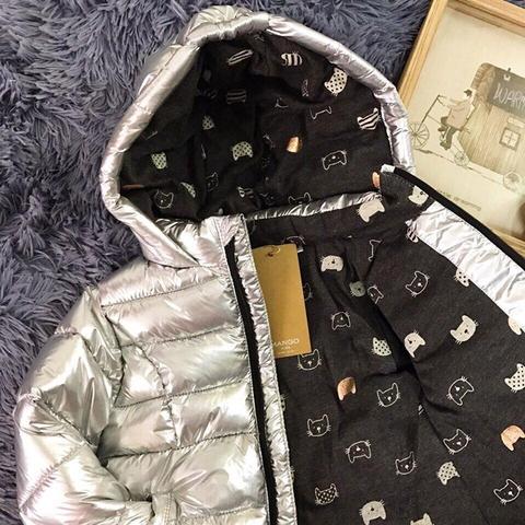 Đường kim mũi chỉ cẩn thận xứng đáng với giá tiền của áo khoác