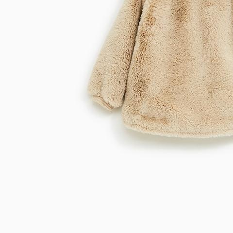 Phần ống tay áo có bo gấu vừa gọn vừa ấm