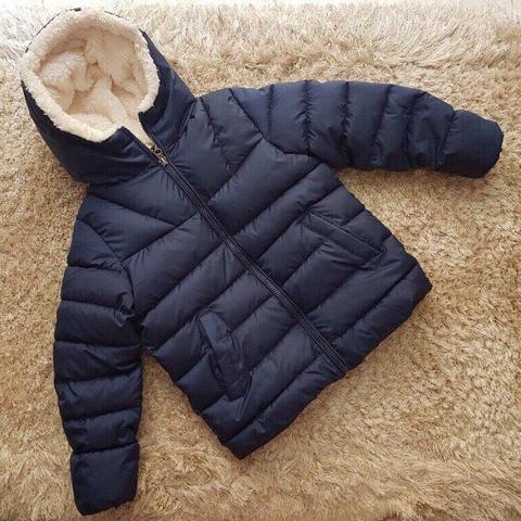 Kiểu dáng áo khoác cơ bản cực kì dễ mặc