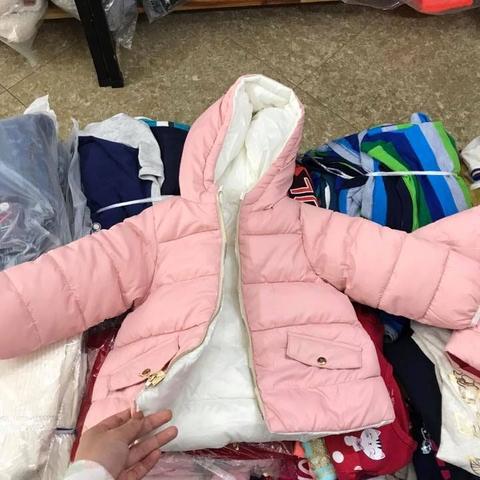 Nhìnảnh thôi chưa đủ để thấy độ đẹp của áo khoác Zara baby girl này