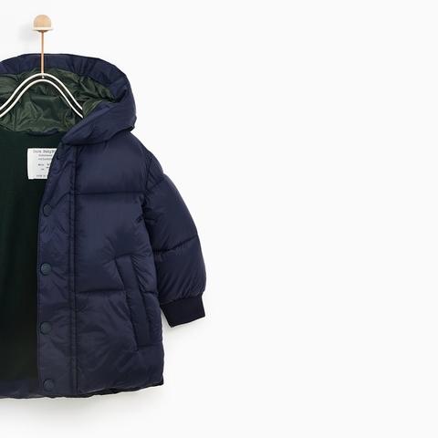 Bên trong áo khoác lót bông và lót vải mềm mại