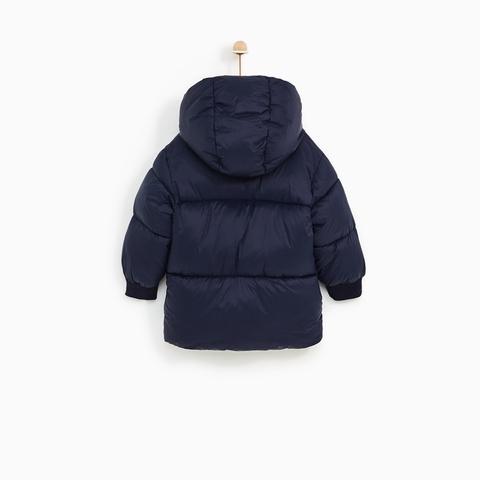 Áo khoác có mũ tiện dụng nhất là khi cho bé ra ngoài dạo chơi