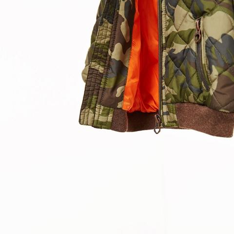 Phong cách 'rằn ri' được áp dụng vào mẫu áo khoác cực chất
