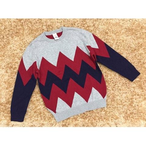 Chất liệu áo len rất mềm, êm dịu với da bé