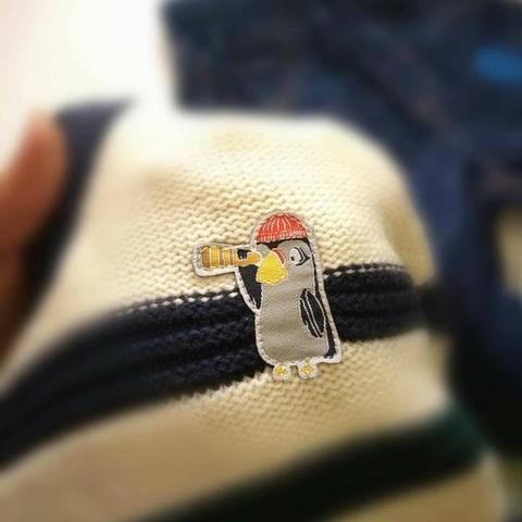 Chi tiết chim cánh cụt kute nhỏ xinhlà điểm nhấn của áo len