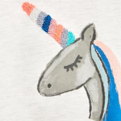 Hình ngựa dễ thương in trên áo nỉ