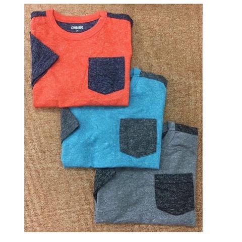 Áo thun có 3 màu: cam, xanh và ghi