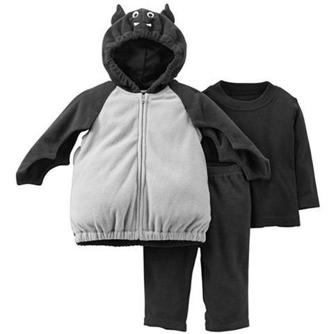 Một bộ gồm 3 chi tiết là áo khoác cánh dơi, áo thun, quần nỉ