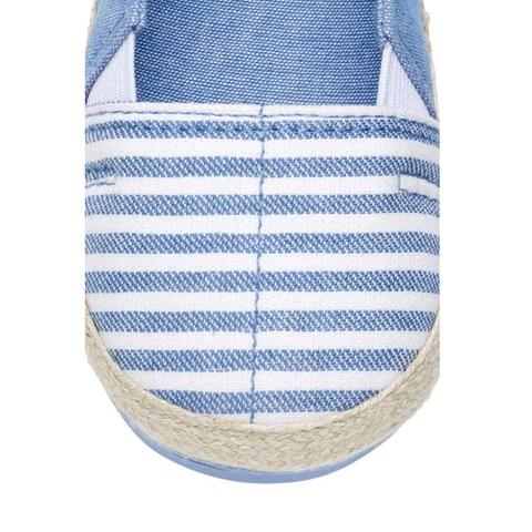 Từng chi tiết được thiết kế tỉ mỉ, giàycó chun hai bên cựcdễđi