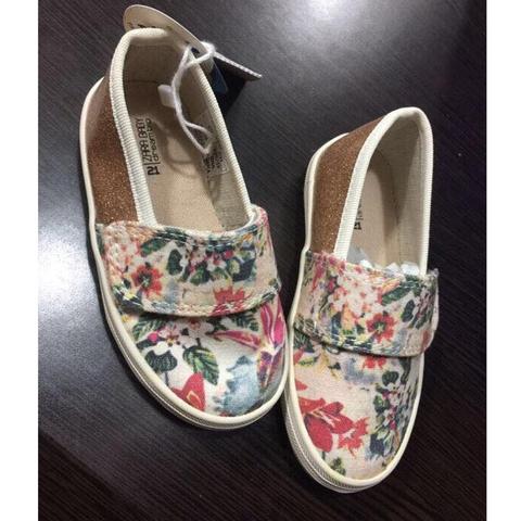 Giày vải chuẩn Zara nên form giày lên châncực êm và xinh nhé