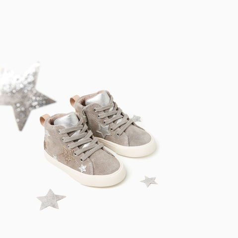 Thiết kế giày lung linh với ánh sao lấp lánh