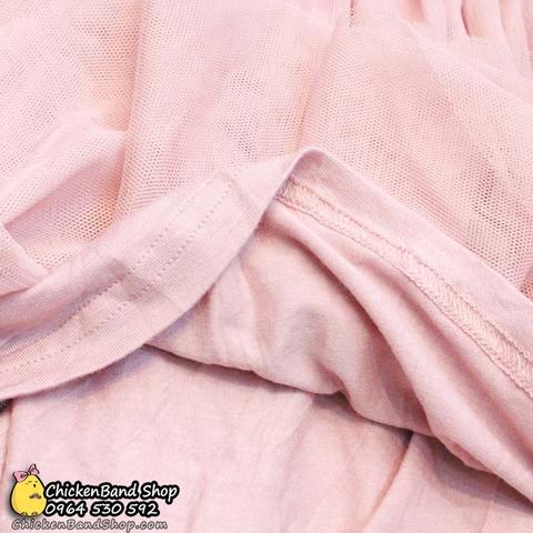 Lớp cotton lót bên trong chân váy rất cẩn thận