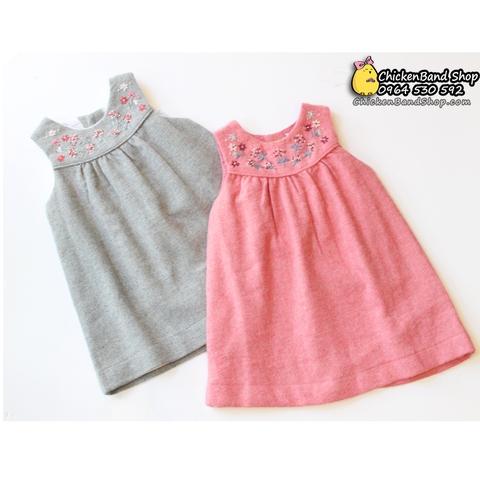 Váy dạ có hai màu: hồng ngọt ngào và ghi cực Tây