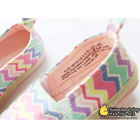 Phần đế giày mềm mại nhưng vẫn đảm bảo lên chuẩnform dáng
