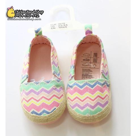 Giày mangmàu sắc dễ thương, yêu ngay từ cái nhìn đầu tiên