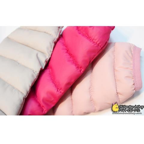 Phần tay áo khoác bo gấu gọn gàng, bên trong lót bông ấm