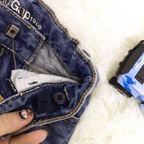 Bên trong cạp quần jean có tăng đơ chun
